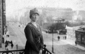 Анна Ахматова в 1917 году