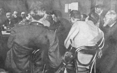 А. Ф. Керенский в Военном совете. Москва. 1917 г.