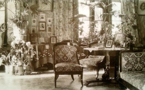 Брасово. Интерьер усадебного дома. Фото предположительно 1910-х гг.