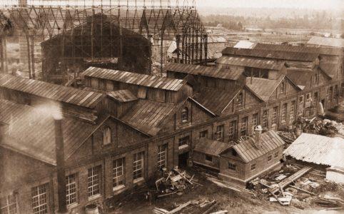 Старь. Вид фабрики с смотровой площадки водонапорной башни. Фото нач. XX в. Источник: www.historydjatkovo.ucoz.ru