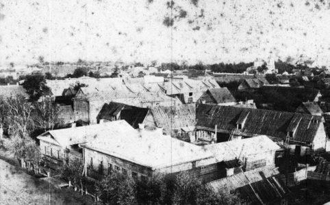 Трубчевск. Вид через квартал на Покровскую площадь. Предположительно 1900-1910-е гг. Из фондов Трубчевского краеведческого музея.
