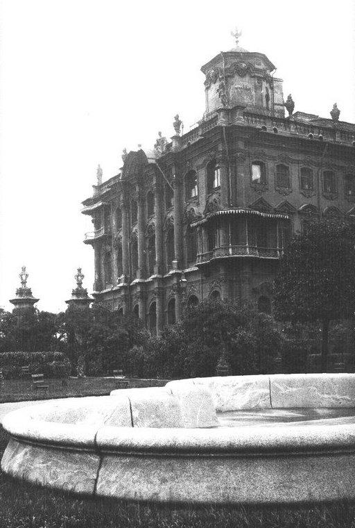 Здание Зимнего Дворца. 1917 г.