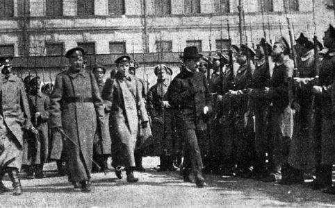Военный министр Керенский в запасном батальоне Семеновского полка. Май 1917 г.