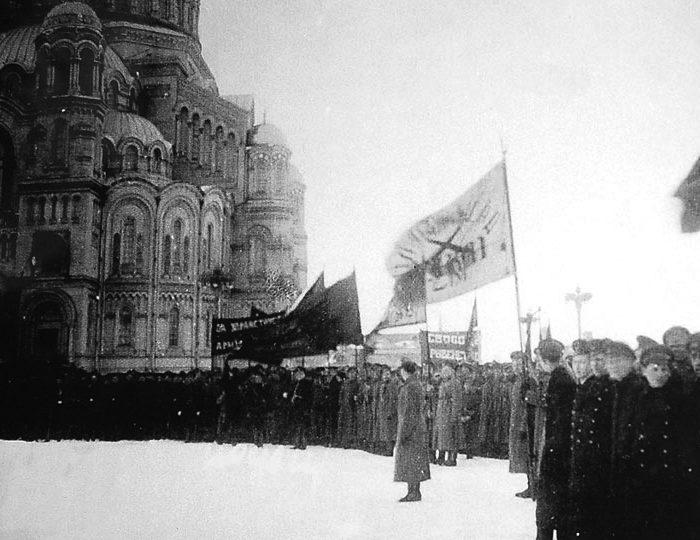 Митинг на Якорной площади в Кронштадте. Март 1917 г.
