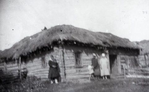 Крестьянки с. Рябчевск Трубчевского уезда. Фото из коллекции этнографа Н. И. Лебедевой, 1926 г.